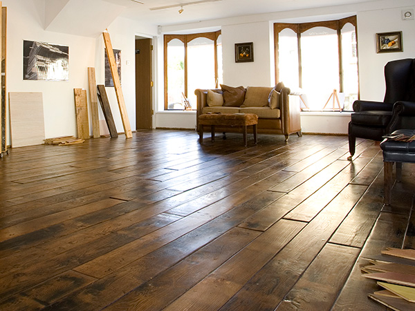 RECLAIMED FLOORING